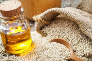 10 ways of use Sesame Oil on hair